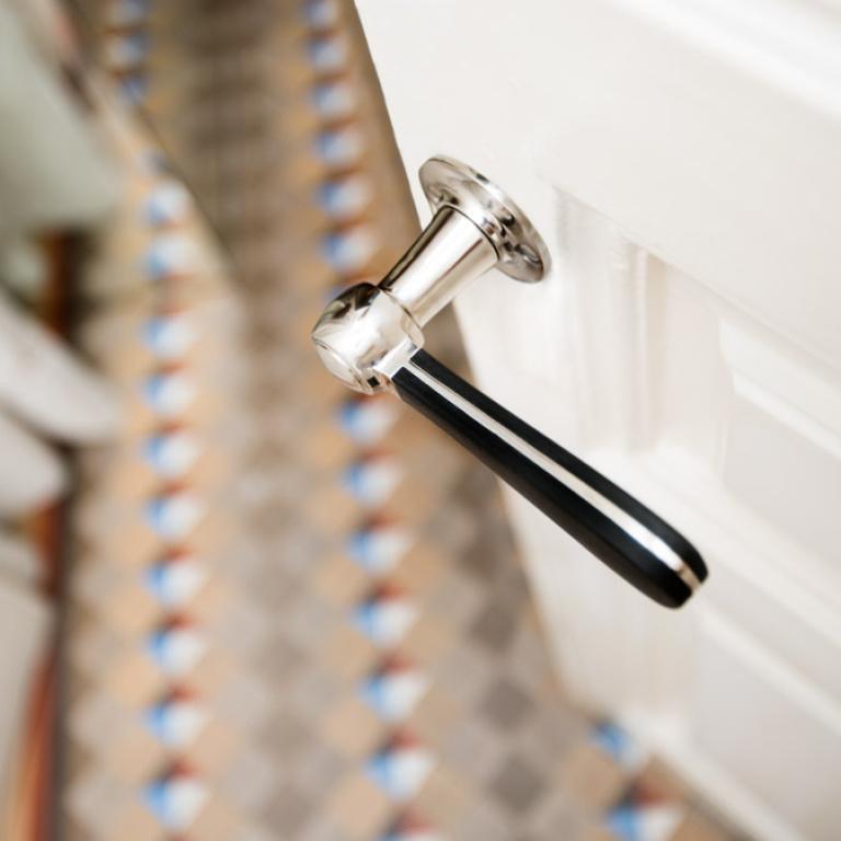Manilla de puerta clásica acero inoxidable mate