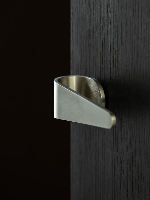 FOLD door handle in satin stainless steel