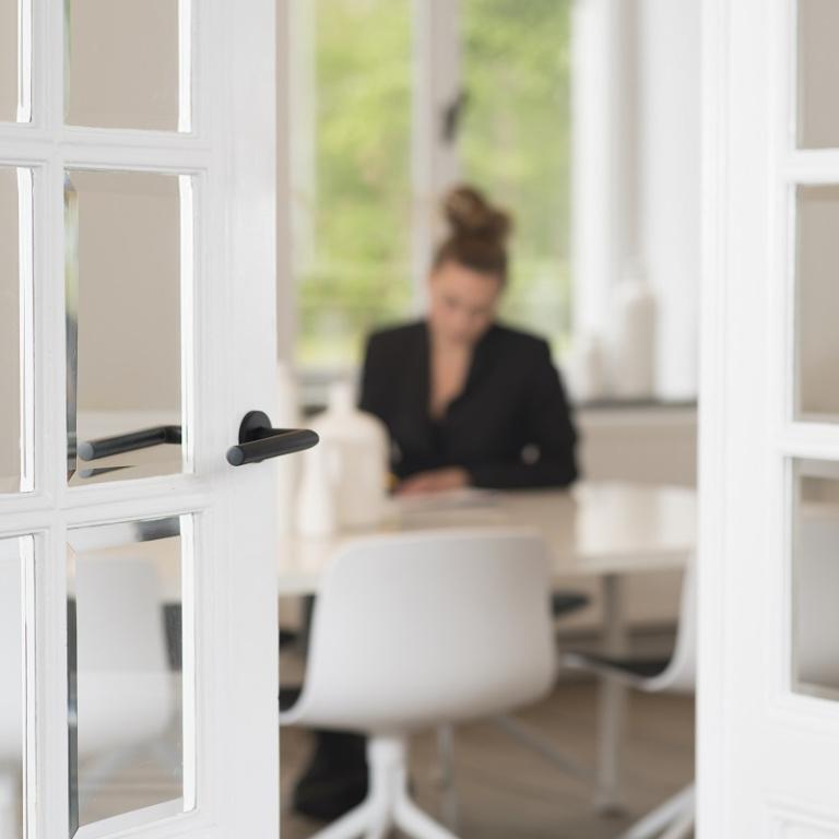 FORMANI referencia proyecto de diseño - Oficinas Withuishof