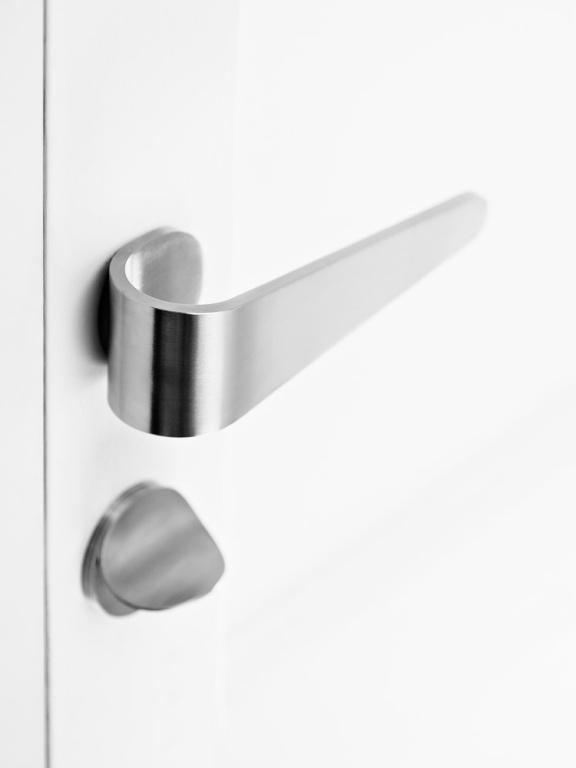Maniglia della porta in acciaio inox satinato con set privacy