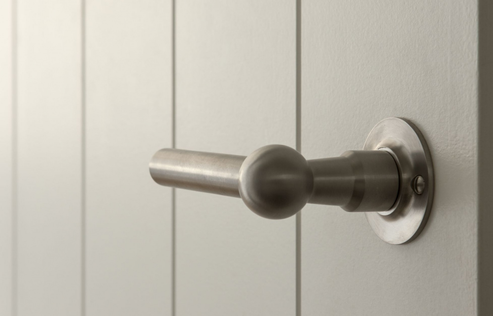 FERROVIA satin stainless steel lever handle