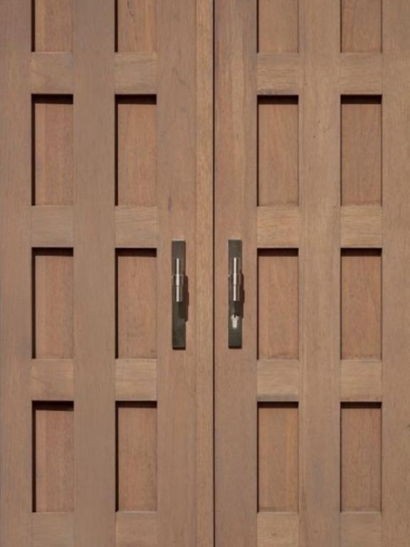 Herraje de puerta de entrada