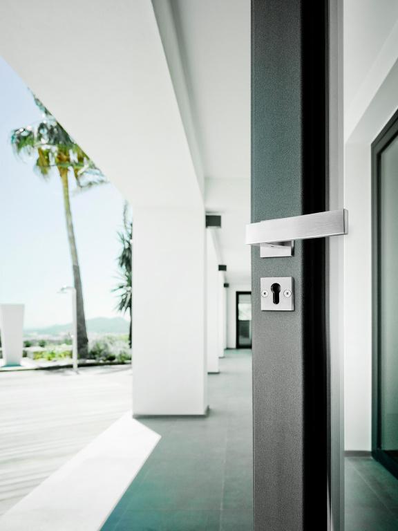 Maniglia della porta in acciaio inox satinato
