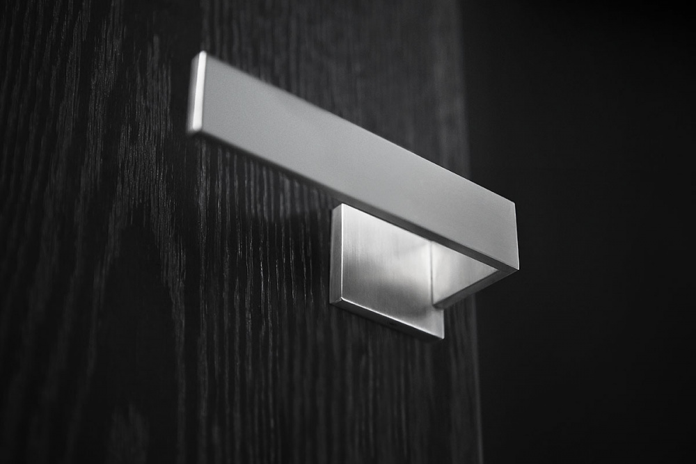 RIBBON door handle by Bob Manders