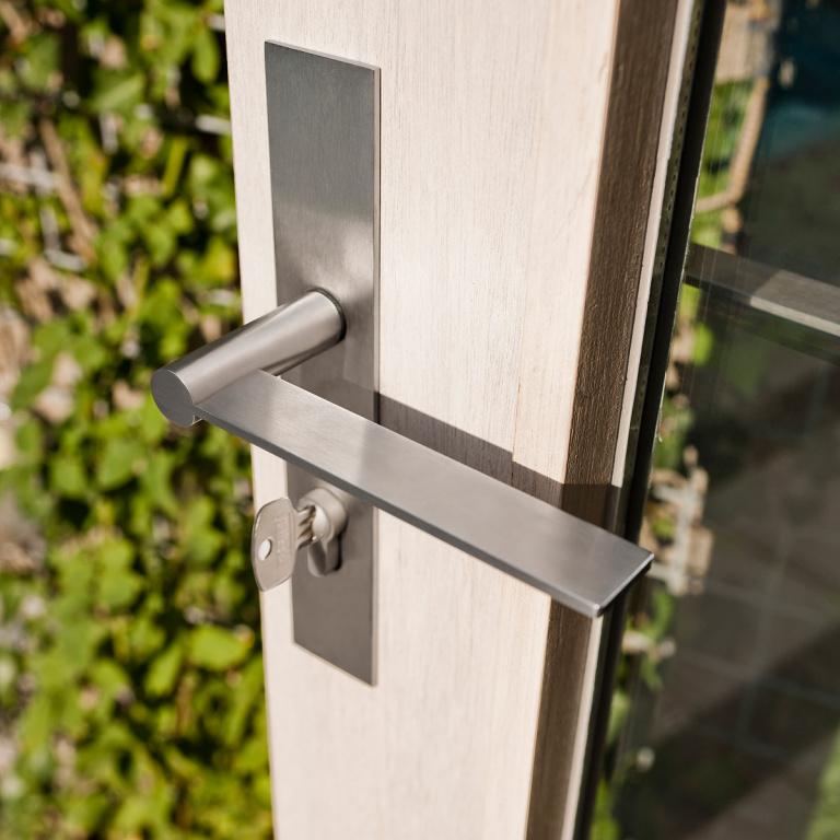 Maniglia esterna della porta in acciaio inox satinato FORMANI
