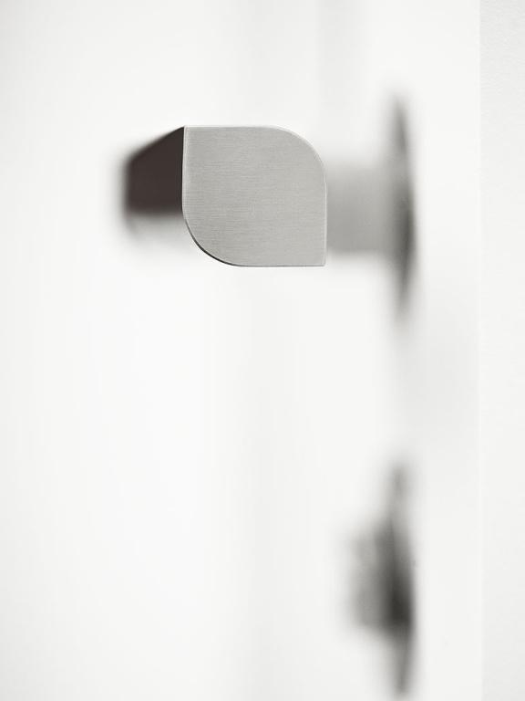 FORMANI TWO satin stainless steel door handle